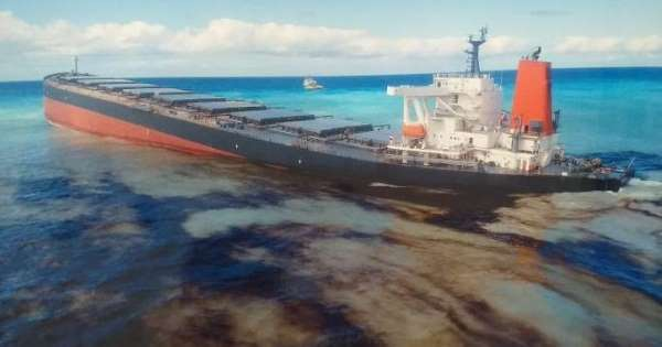 oil leaking ship